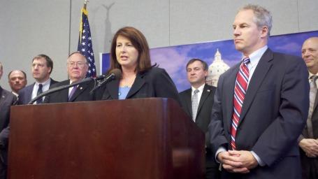 Republicans unveil corporate tax cut proposal