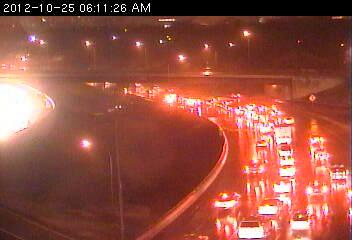 Traffic on southbound 35W at Johnson St. 