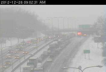 Traffic on westbound 694 approaching Silver Lake Road