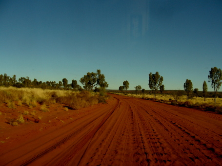 20 km road to Rainbow Valley