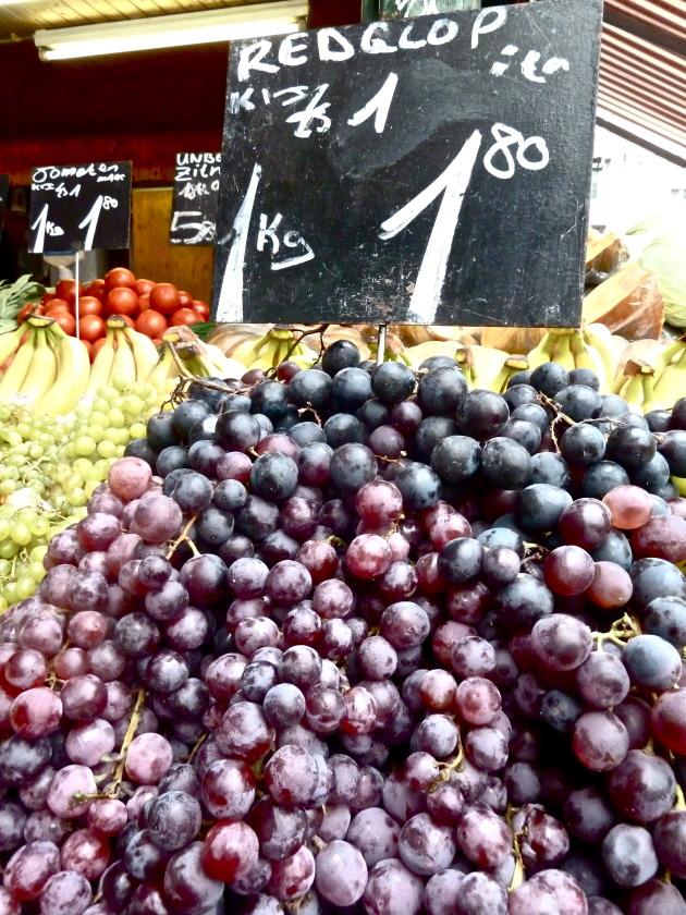 Fresh fruit stand at the Naschmarkt!