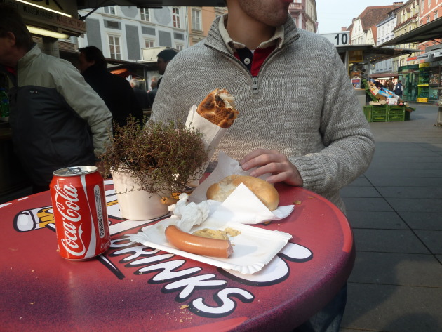 Delicious frankfurters from the street cart.
