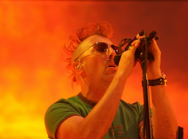 Tool's lead Maynard at Xcel Center in 2007
