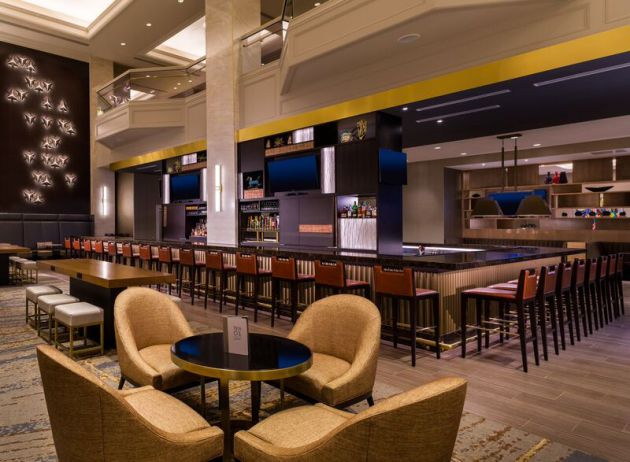 Downtown Minneapolis Hilton Unveils New Restaurant 27m Renovation Startribune