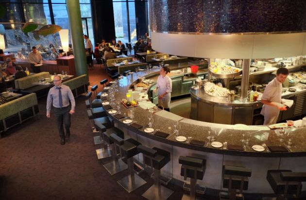 Guthrie S Sea Change Restaurant Hires New Chef Plans Major Menu Remake Startribune