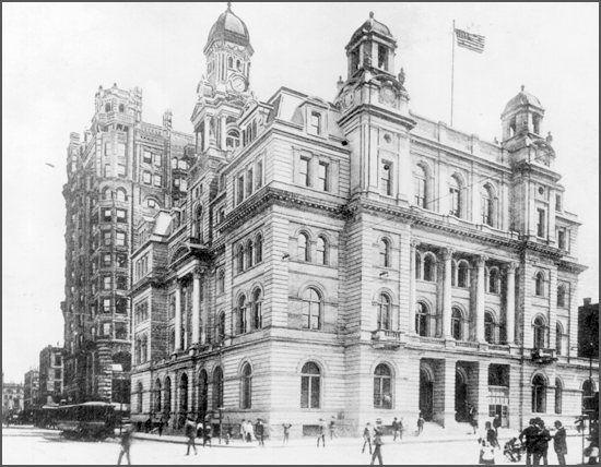 The federal courthouse and post office in downtown Minneapolis in about 1904.