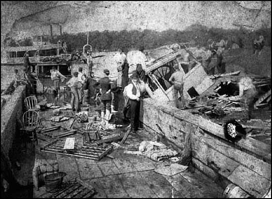 National Guard members survey the wreckage of the Sea Wing. (MNHS.org photo)