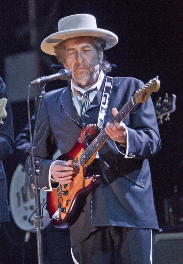 Dylan, now 71, performed last week at the London Feis Festival. / AP photo, Joel Ryan
