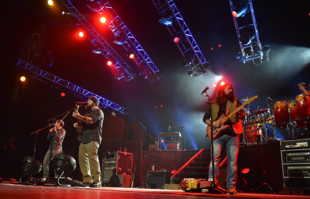 Facing a sold-out Target Center crowd on Saturday, the Zac Brown Band turned into a cover band. / Bree McGee, Star Tribune