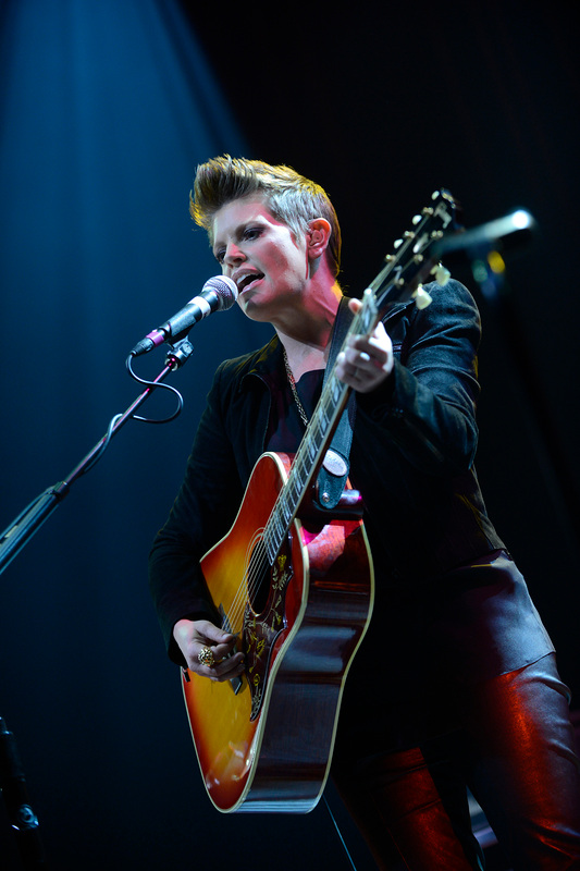 Natalie Maines' performed Wednesday to promote her debut solo album, due May 7. / Photos by Tony Nelson