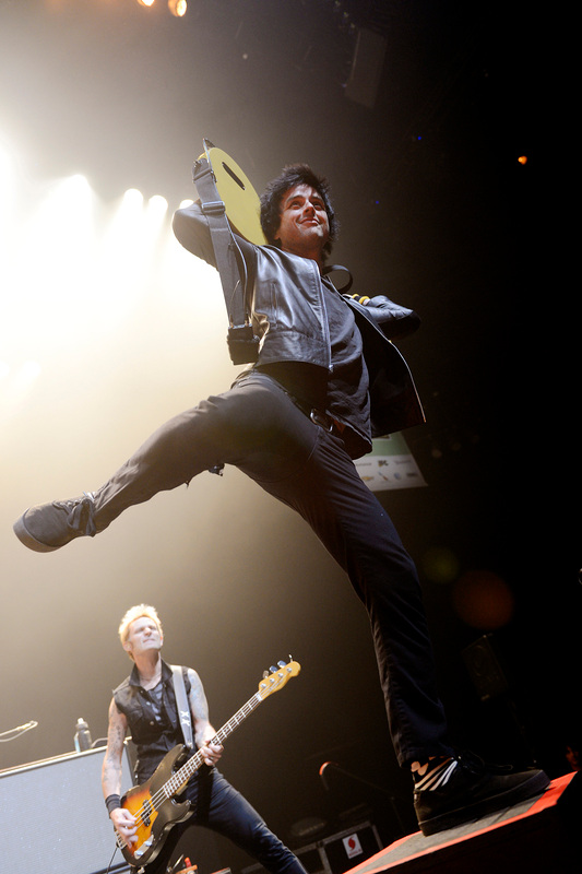 Billie Joe Armstrong balanced old and new tunes in Green Day's comeback show Friday in Austin, Texas. / Photos by Tony Nelson