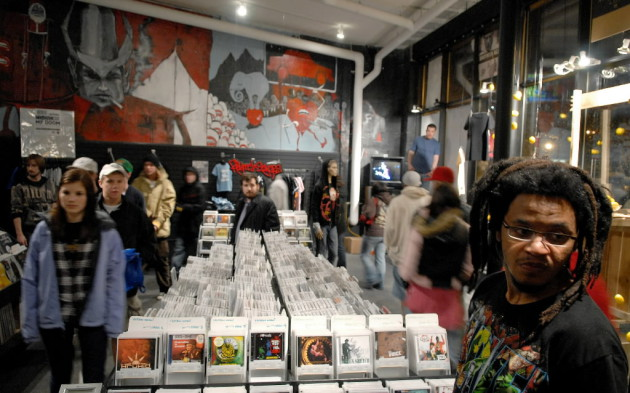 Fifth Element record store in Uptown will have fans lining up outside on Saturday. / Star Tribune file