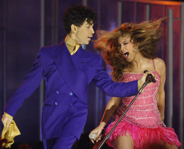 Prince and Beyoncé at the 2004 Grammy Awards. / AP Photo, Kevork Djansezian