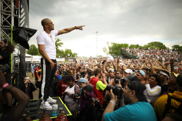 T.I. pointed toward the Sweet Martha's Cookies stand during Soundset 2017. / Jeff Wheeler, Star Tribune