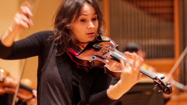 Patricia Kopatchinskaja during rehearsals with the St. Paul Chamber Orchestra in 2015. / Photo by Eric Melzer
