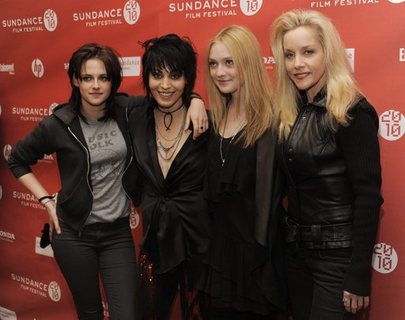 "cherie currie and joan jett kiss. Joan Larkin ""was told by my"
