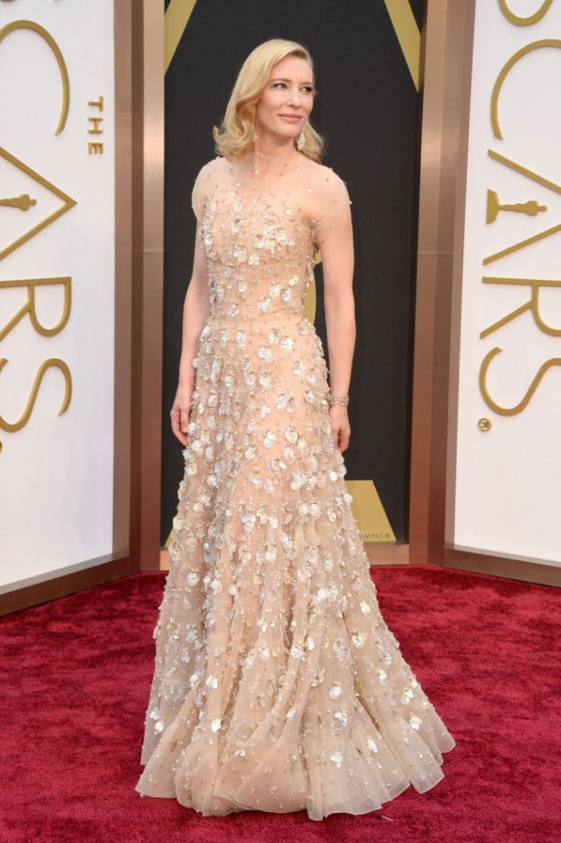 Cate Blanchett at the red carpet in the 2014 Oscar gown that cost -- HOW MUCH???!!! Photo: Associated Press