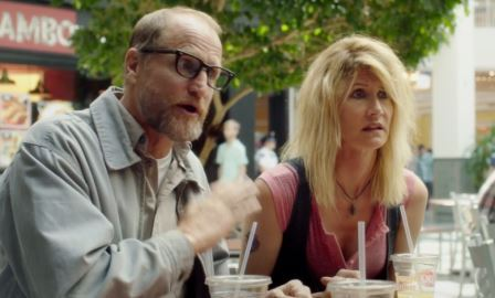 "Woody Harrelson and Laura Dern share some family time at the Mall of America in ""Wilson"" Photo: Fox Searchlight"