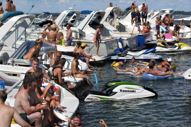 Three Sick From E Coli After Swimming In Lake Minnetonka Startribune