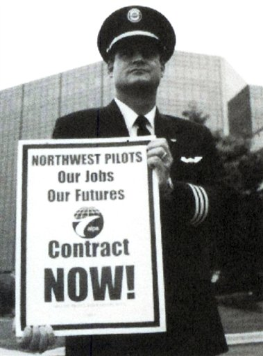 Cravaack on picket line duty as NWA pilot