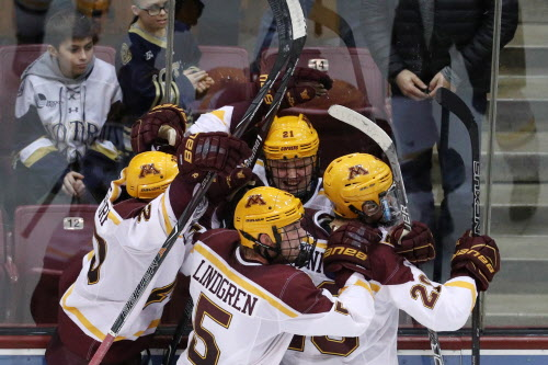 Gophers lose 4-1, split series with top-ranked Notre Dame