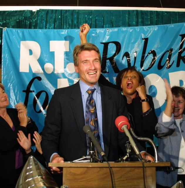 Rybak celebrates after defeating then-mayor Sharon Sayles Belton in 2001