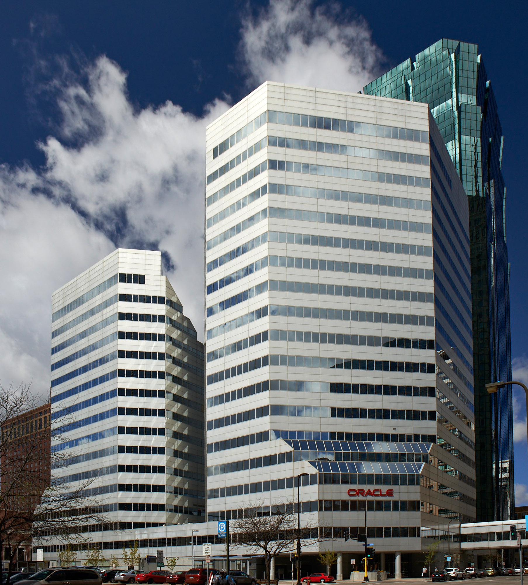 Minneapolis Garage Builders News Construction Blog: Oracle Centre In Downtown Minneapolis Sold