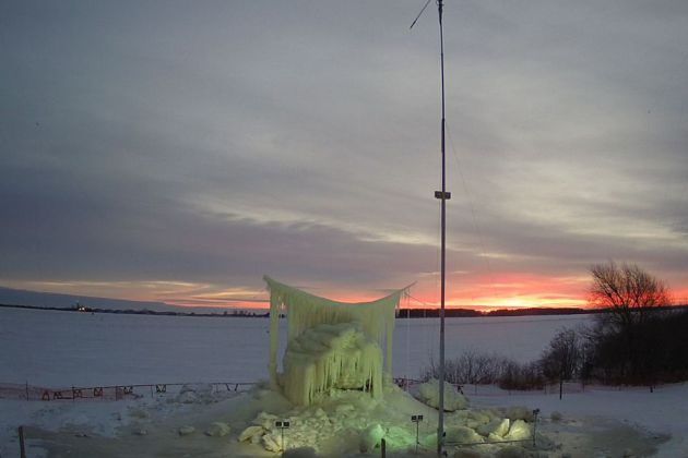 The Superior Ice Project rises on the rubble of the first statue's collapse. (Photo from icemanroger.com)