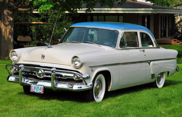 1954 Ford 2-door, 130 HP, Y-Block V-8