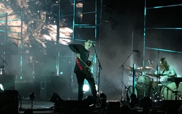 When The Bassist And Guitarist For Sigur Ros Took Stage Thursday Night At Sold Out Orpheum Theatre In Minneapolis They Each Looked 12 Feet Tall