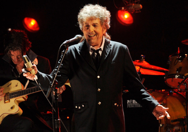 Dylan gives rare interview, talks Sinatra, Elvis