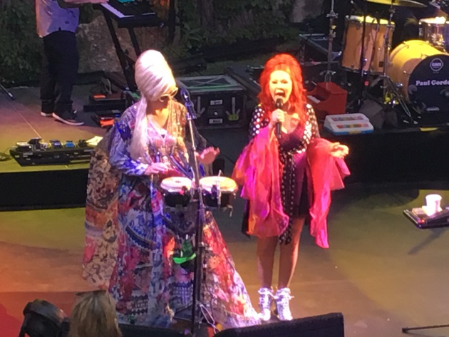 Cindy Wilson, Kate Pierson at the Minnesota Zoo