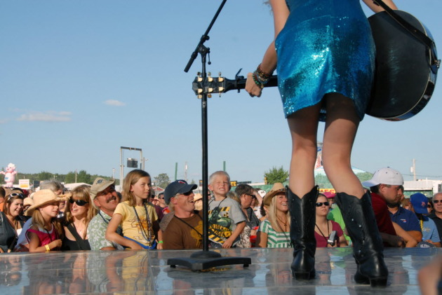 Taylor Swift at We Fest in 2008/ Star Tribune file