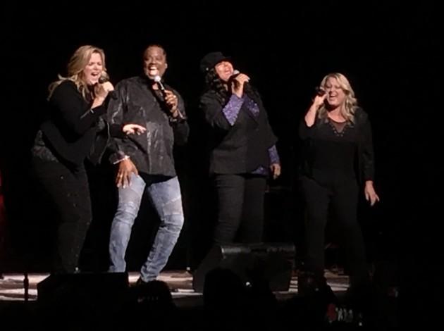 Trisha Yearwood, Robert Bailey, Vicki Hampton and Karyn Rochelle