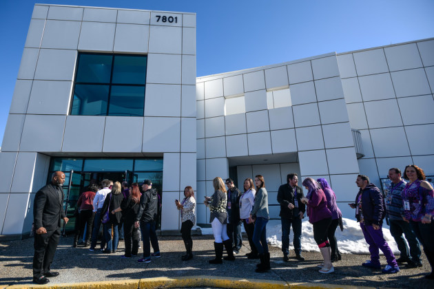 Fans line up at Paisley Park before social distancing rules/ Star Tribune photo by Aaron Lavinsky