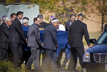 The funeral of Reuven Rahamim (photo by Renee Jones Schneider)