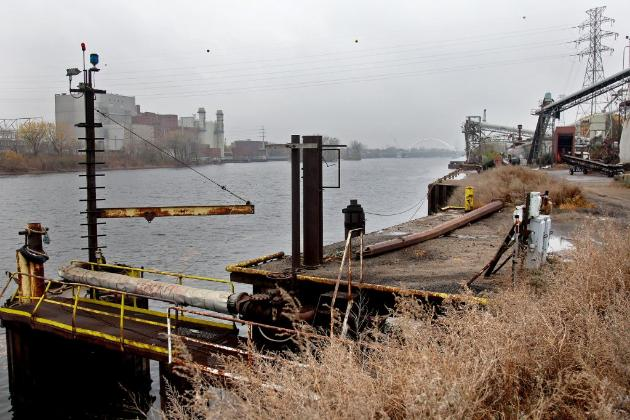 City leaders: We don't need no barges (photo by Elizabeth Flores)