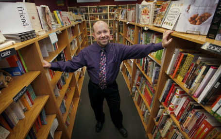 Charlie Leonard, owner of the Bookcase of Wayzata. Star Tribune photo by Tom Wallace