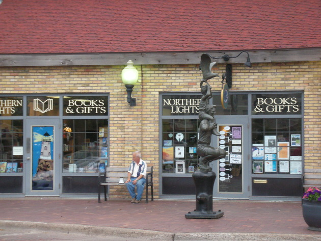 Northern Lights Bookstore in Duluth, which closed in February. Too many customers were browsing the shelves but buying online, owner Anita Zager said. Photo by Alfred Essa.