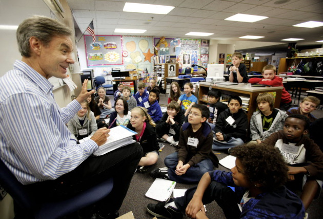 John Coy speaks to students at Echo Park Elementary School in 2010. Star Tribune file photo by David Joles.