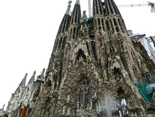 The exterior of la Sagrada Familia church!
