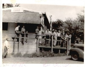 Wolf Creek Bar, circa 1940s, photo courtesy Russ Hanson