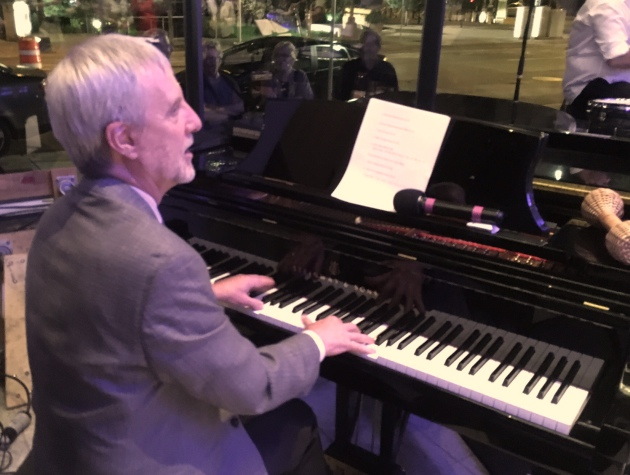 Minnesota Orchestra CEO Kevin Smith showed his own piano skills Tuesday night.