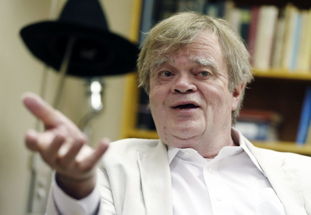 Garrison Keillor Fired for 'Inappropriate Behavior' 1 Day After Defending Al Franken