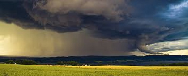"""Tracking a """"Comfortable Front"""". Staying Weather Aware During Outdoor Venues"""