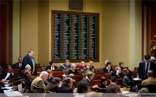 An all green board on House measure to provide more heating aid/Glenn Stubbe, Star Tribune