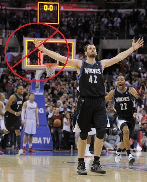 Kevin Love at his finest last year. But now that right hand is broken.