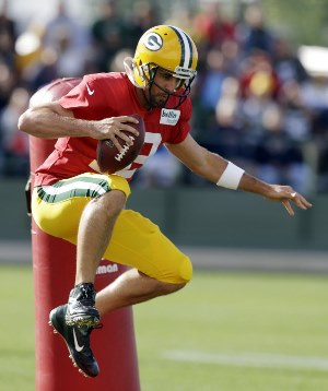 Aaron Rodgers creating the illusion of height?