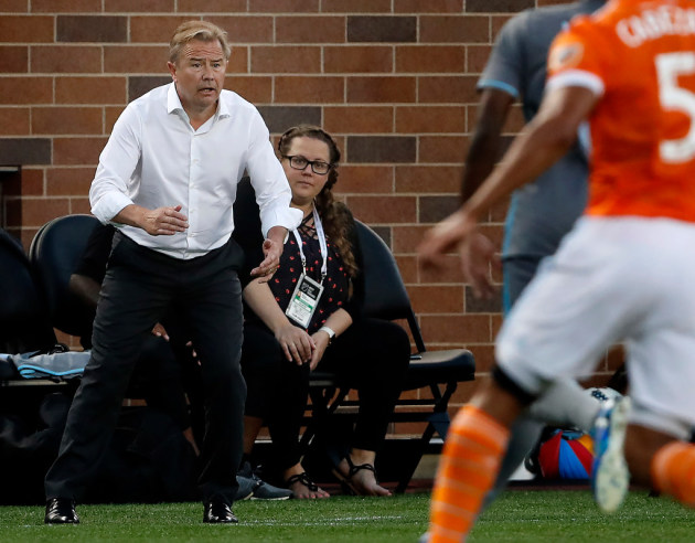 (I couldn't find a good pic of Justin Davis, so Adrian Heath it is)