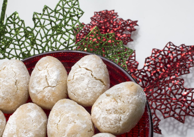 Twelve Days Of Christmas Cookies Italian Almond Cookies